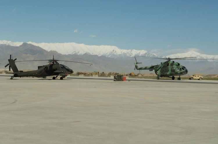 Image: AH-64 and MI-17 Helicopter