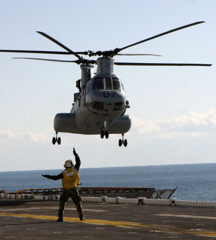 Image: USMC CH-46E Sea Knight Helicopter