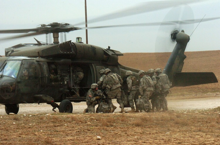 Image u s army uh 60 black hawk helicopter